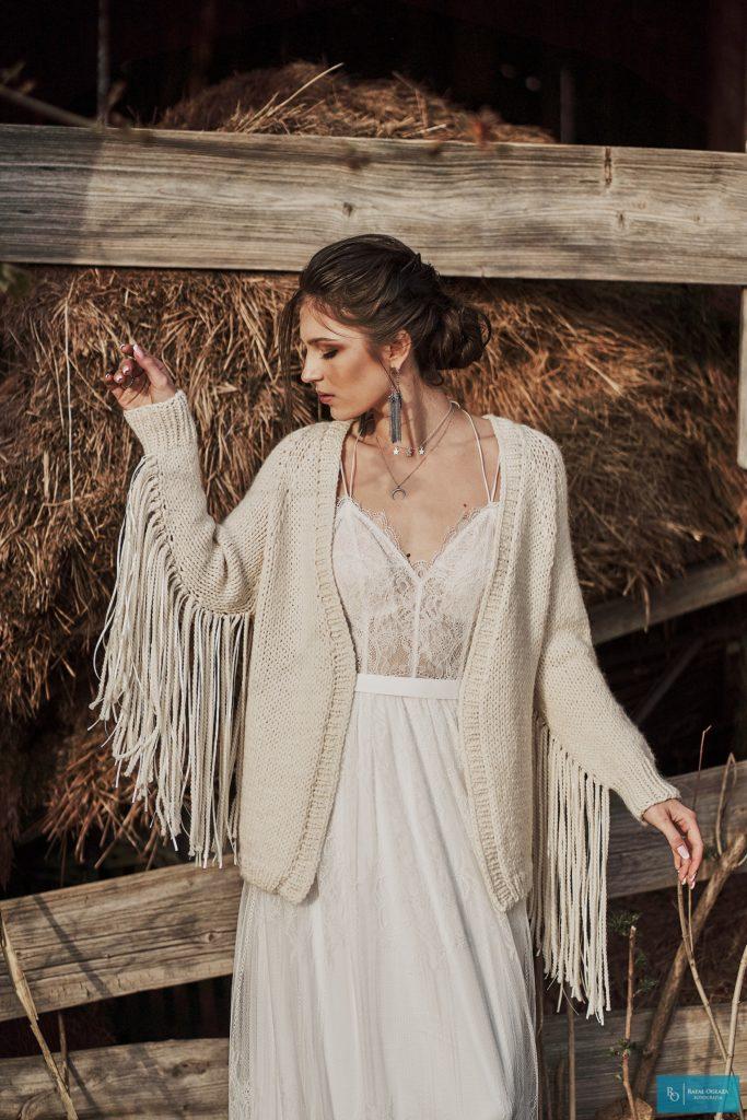 dworek szczere pole, fotografia ślubna, romantyczne suknie slubne szczecin, sesja zdjęciowa, Suknie ślubne boho szczecin, suknie slubne rustykalne szczecin, szczere pole wierzchówko, wesele boho, wesele na wsi, wesele rustykalne