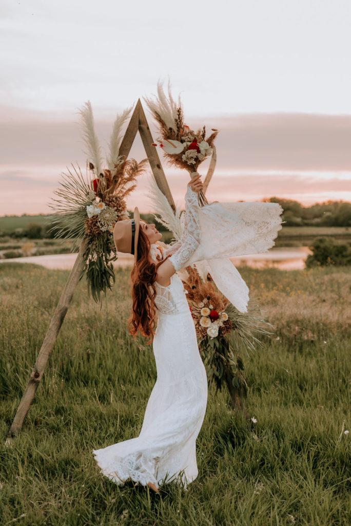 dekoracje slubne boho, naturalne dekoracje slubne, Pracownia sukni ślubnych szczecin, Salon sukien ślubnych szczecin, Salon sukni ślubnych szczecin, suknia boho, suknie ślubne, Suknie ślubne boho, Suknie ślubne boho szczecin, suknie ślubne szczecin, Szycie sukni ślubnych szczecin, wesele wiosną, wiosenny slub